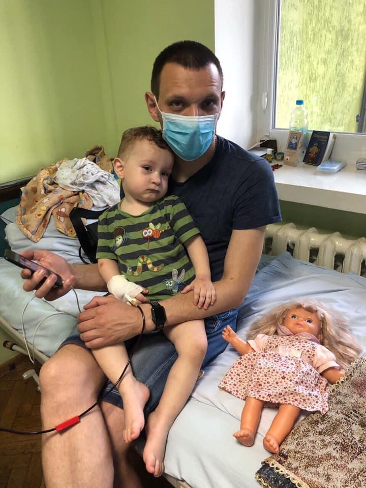Ізраїльські лікарі підтвердили діагноз: гостра мієлоїдна лейкемія. Триває збір коштів для Матвія Цихівського!