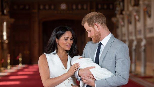 """""""Під грифом таємно"""": Меган Маркл і принц Гаррі зі скандалом хрестили сина. Перші фото"""