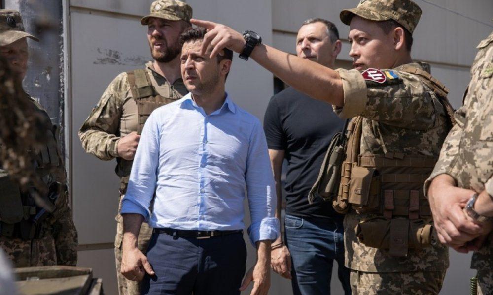 Замість військового параду – парад корупціонерів! Журналіст дав жорстку пораду Зеленському