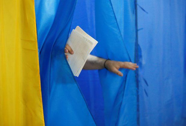 """Підсумки виборів: хто з """"динозаврів"""" української політики залишиться в новій Раді"""