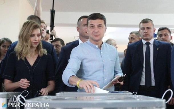 Очікує чесного та справедливого результату: Зеленський проголосував на позачергових виборах до ВР