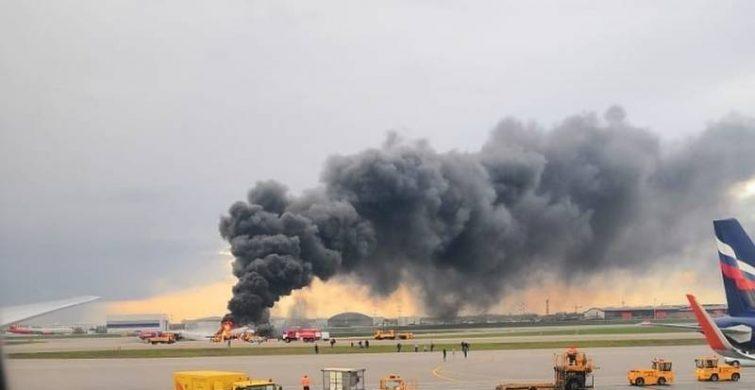 Упав посеред поля: на Полтавщині розбився літак, є жертви