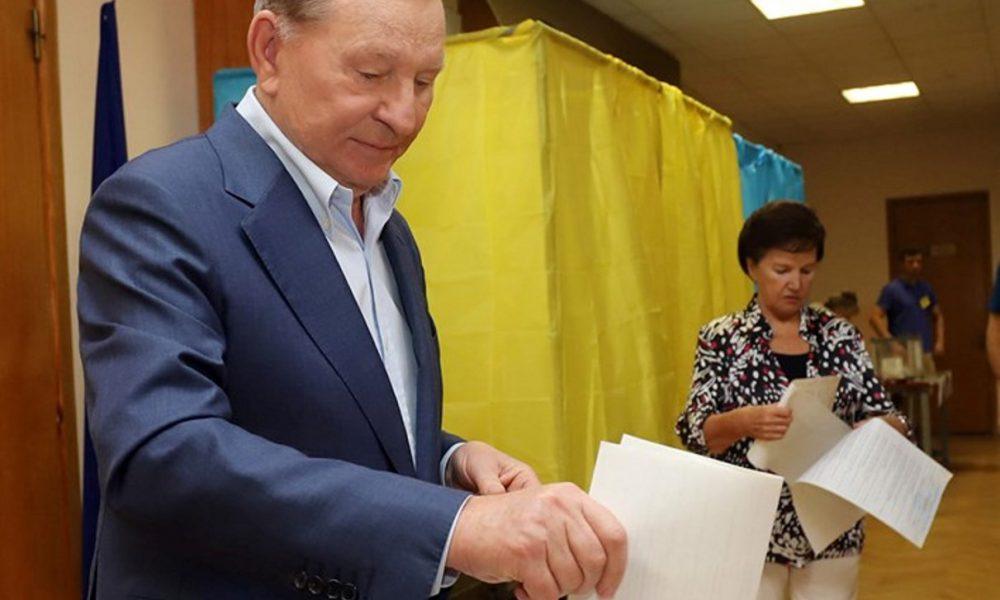 Кучма терміново звернувся до Зеленського після виборів: чекаю від президента чіткий