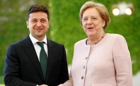 Обговорили найболючіше: Зеленський провів екстрену телефонну розмову з Меркель