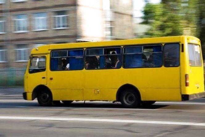 Напився до неможливого і вийшов на роботу: у Львові поліція затримала п'яного водія маршрутки. Буде покараний