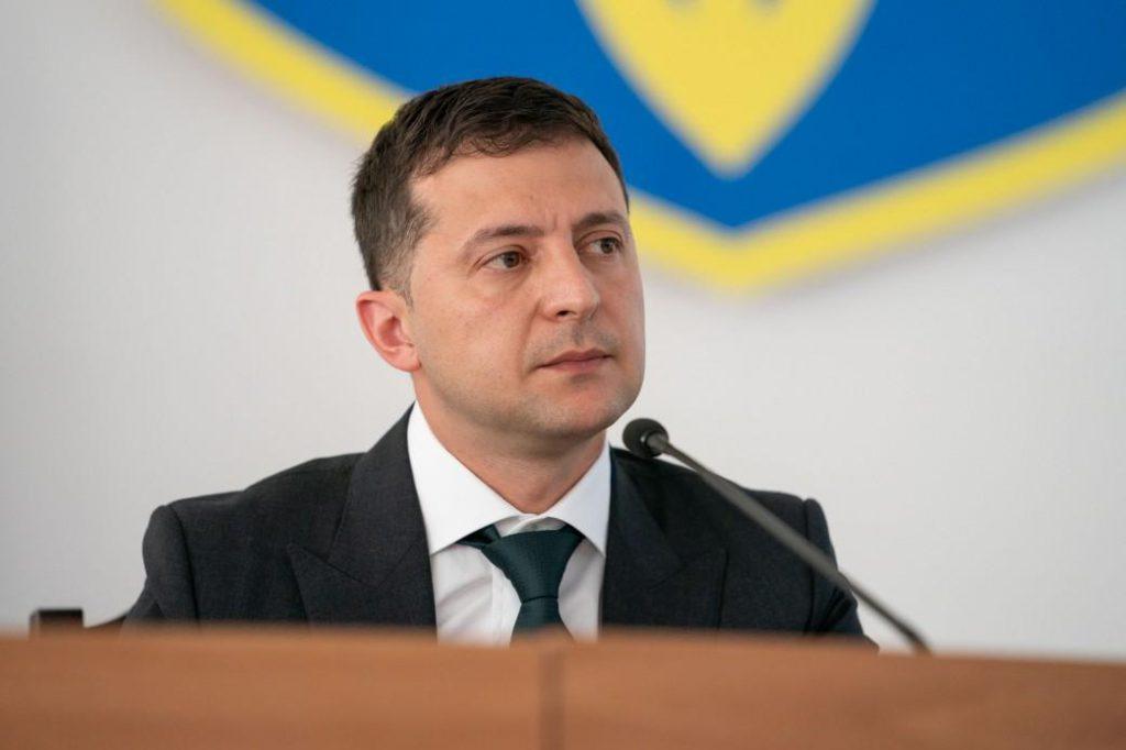 Один підпис вирішить усе! Зеленський готується до важливого  рішення: життя українців не буде колишнім
