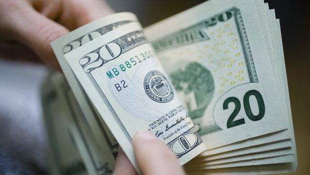 """Курс валют на 29 серпня: долар і євро подорожчали. Українці скупляють """"зелений""""!"""