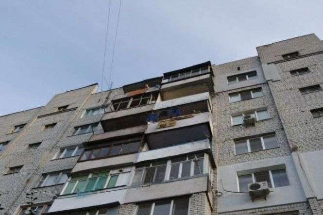 """""""Занадто сильно кохав"""": Одесит скинув свою кохану з балкону третього поверху"""