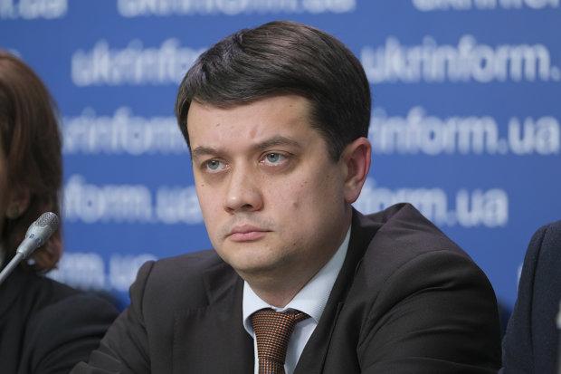 Неможливо: Разумков зробив гучну заяву про війну на Донбасі