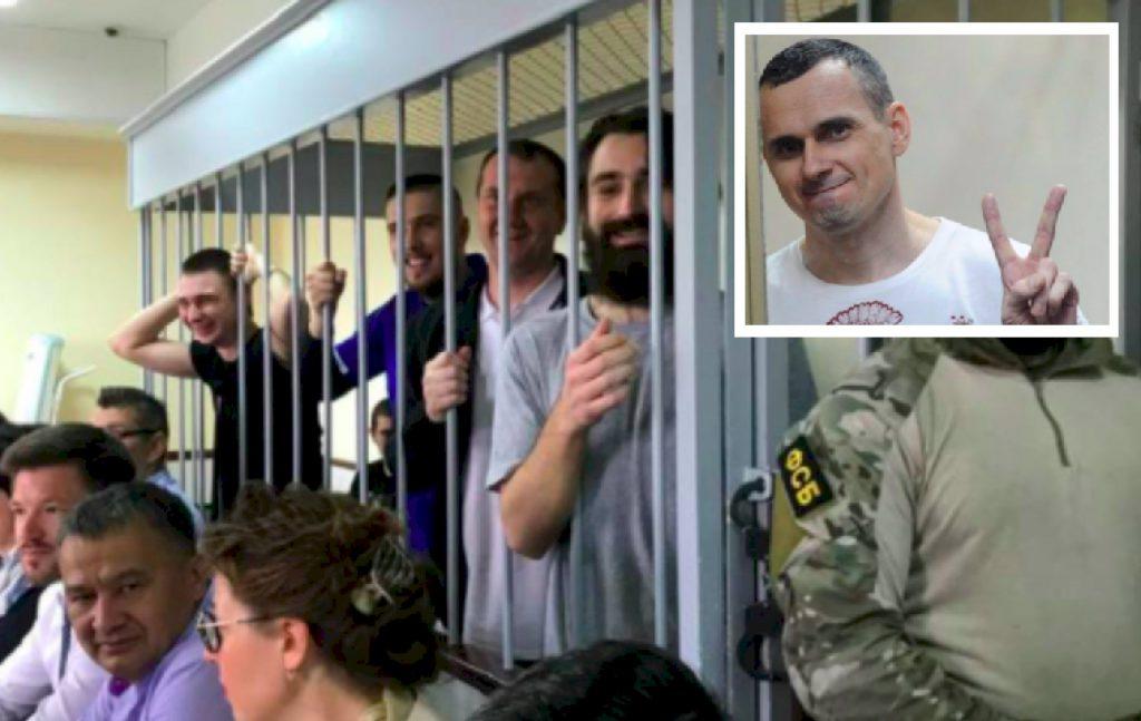 """""""Гра з емоціями суспільства!"""": У Зеленського прокоментували повернення моряків і Сенцова. Офіційно"""
