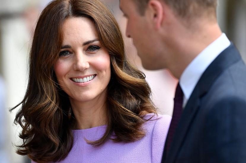 «Зробіть мені, як у неї»: Кейт Міддлтон в міні-шортах вразила британців. Вперше за 8 років!