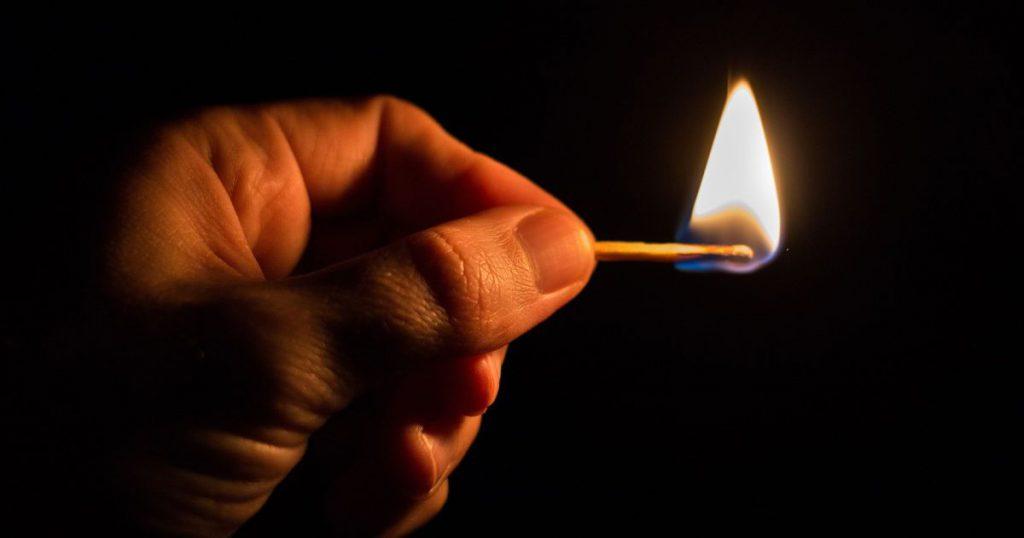 """""""Бавилися бензином і сірниками"""": у Дніпрі діти облили і підпалили 8-річного хлопчика. Жахливі подробиці трагедії"""