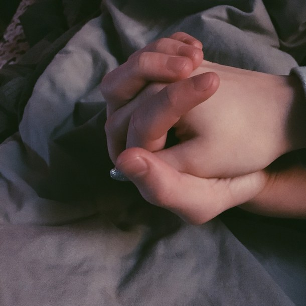 """Разом при житті, разом і після смерті: В Одеській області поховали юних закоханих, які згоріли живцем у """"Токіо Стар"""""""