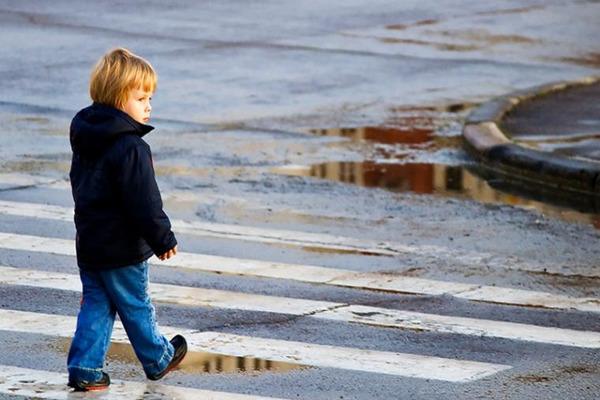 """""""Volkswagen"""" влетів у """"Citroen"""": У Львові на пішохідному переході збили 11-річного хлопчика"""