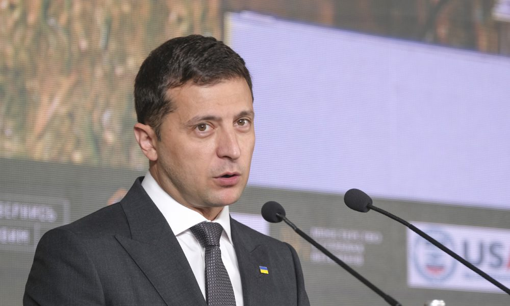 Розійшовся по повній: Зеленський зробив новий подарунок медзакладам України