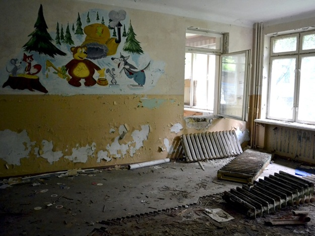 Озвірілі діти викинули з вікна дитину. Жителі Дніпропетровщини перелякані