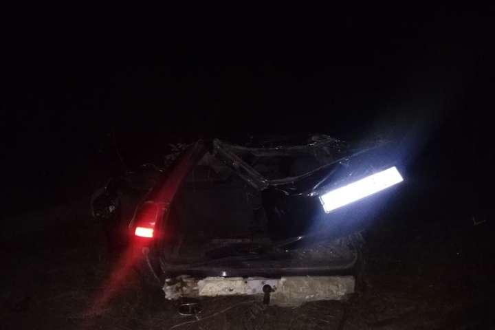 На Хмельниччині п'яний водій влетів в електроопору, загинуло чотири людини