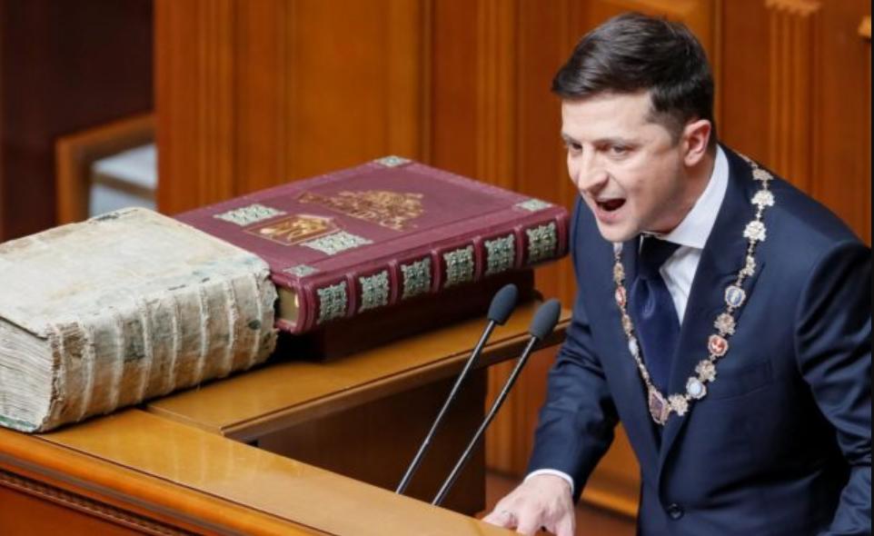 Зеленський притиснув депутатів до стінки: обшуки і прослуховування, такого ще не було