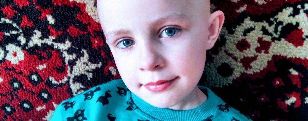 Аня бореться з раком вже два роки, але лікування потрібно продовжити
