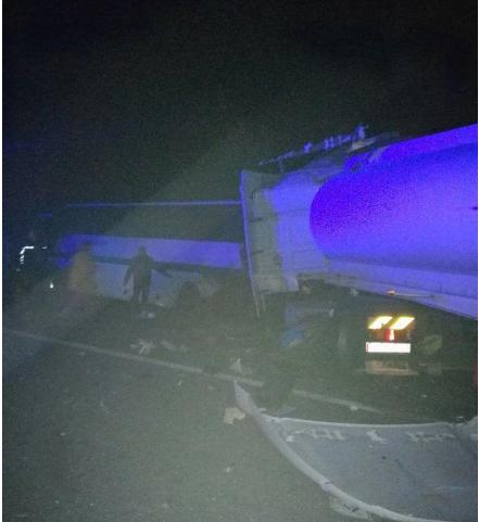 Не встигли відійти від ДТП під Одесою: у Житомирській області вантажівка зіткнулася з автобусом. 9 загиблих