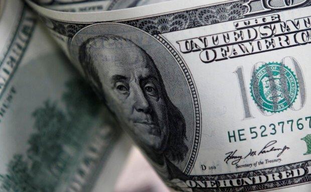 Курс валют на сьогодні: гривня завдала нищівного удару американському долару