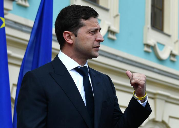 Винищить їх по одному! Зеленський завдав удару по соратникам Порошенка. «Скасувати!»