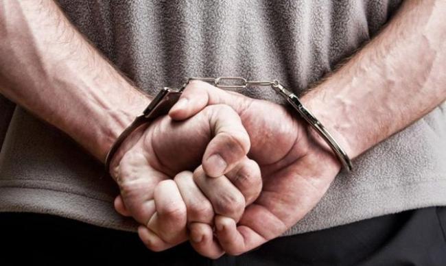 Про борг перед народом пам'ятає: поліцейський, у вільний від роботи час, затримав ґвалтівника і наркоторговця, які втекли з в'язниці