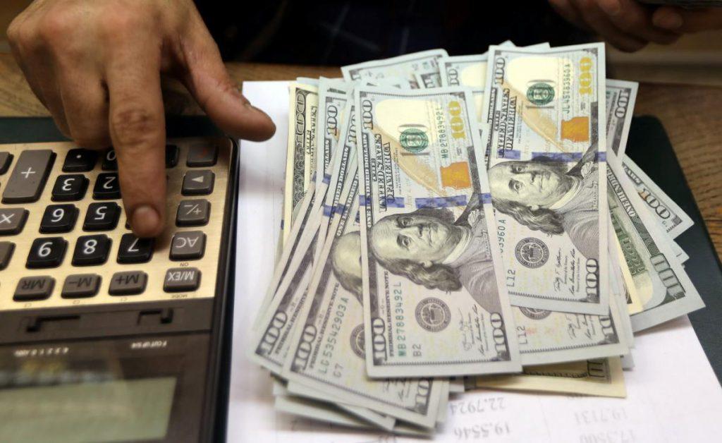 """Долар """"нокаутував"""" гривню: прогнози експертів збулися! Українці в шоці"""