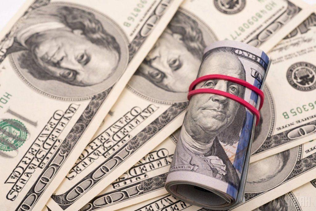 Гривня зміцнює свої позиції, а долар слабшає на очах : курс валют на 22 жовтня