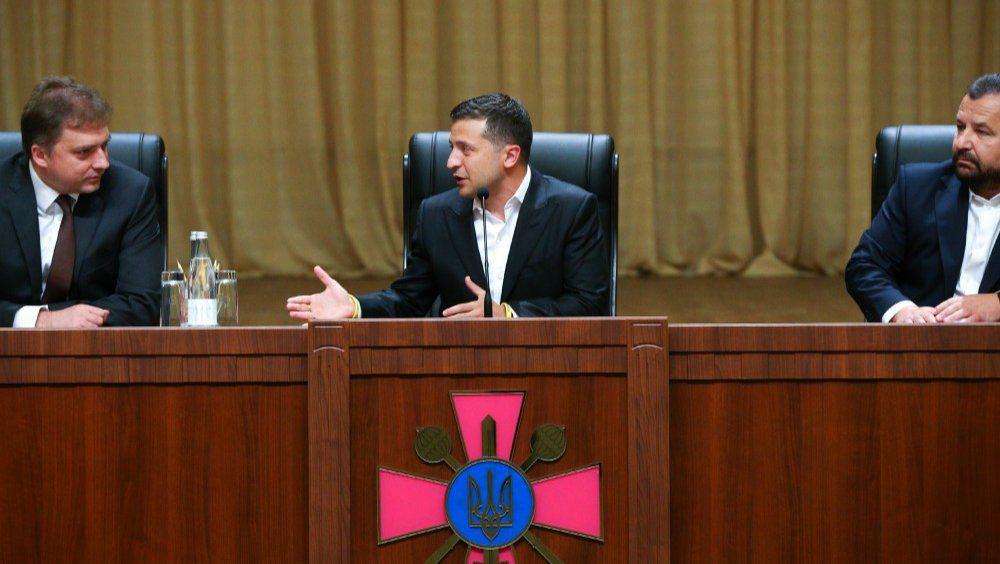 Вони відкрили вогонь! Міністр оборони в Раді виступив із терміновою заявою. Розведення військ