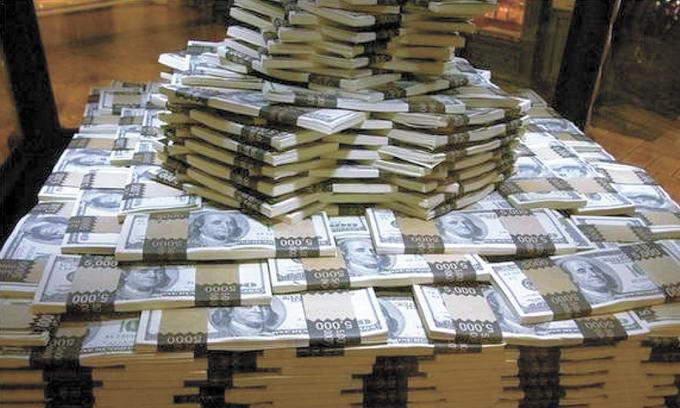 """""""Понад 30 млн доларів"""" : У Латвії конфіскували кошти українських екс- чиновників. Кому належали гроші"""