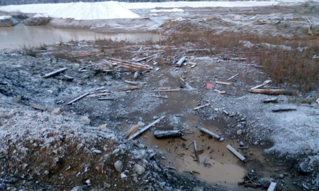 """""""По воді несло гуртожиток і  люди кричали """"Допоможіть"""""""": жахливі подробиці страшної аварії. Людей евакуюють"""