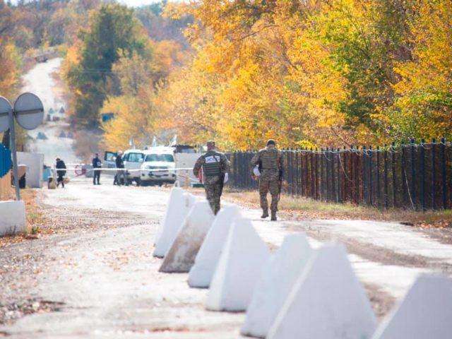 Розведення військ в Золотому: Поліція відкрила вогонь. Сутички на блокпосту в Кремінній