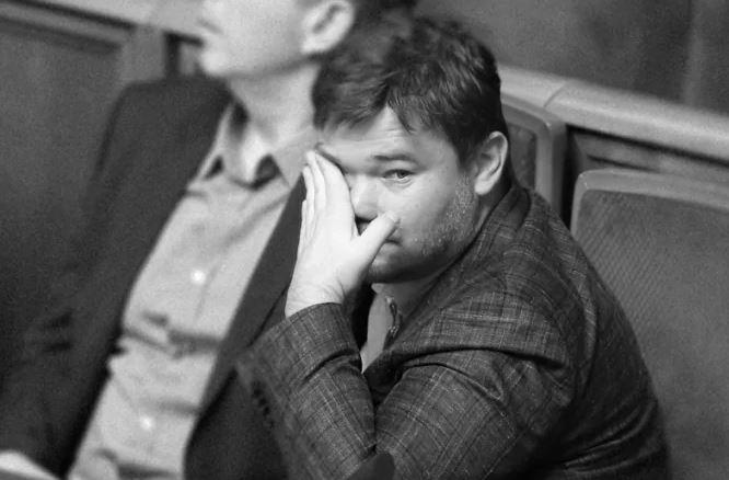 """""""Багато матюкався, довелось заспокоювати"""": Богдан провів закриту зустріч з журналістами. Розчарувався в """"слугах"""""""