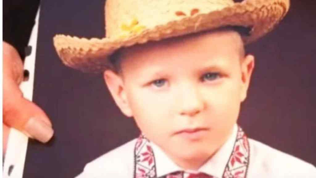 """""""Обійняти маму так і не встиг"""": 6-річний хлопчик загинув страшною смертю на очах у батьків. Шансів у Дмитрика не було"""