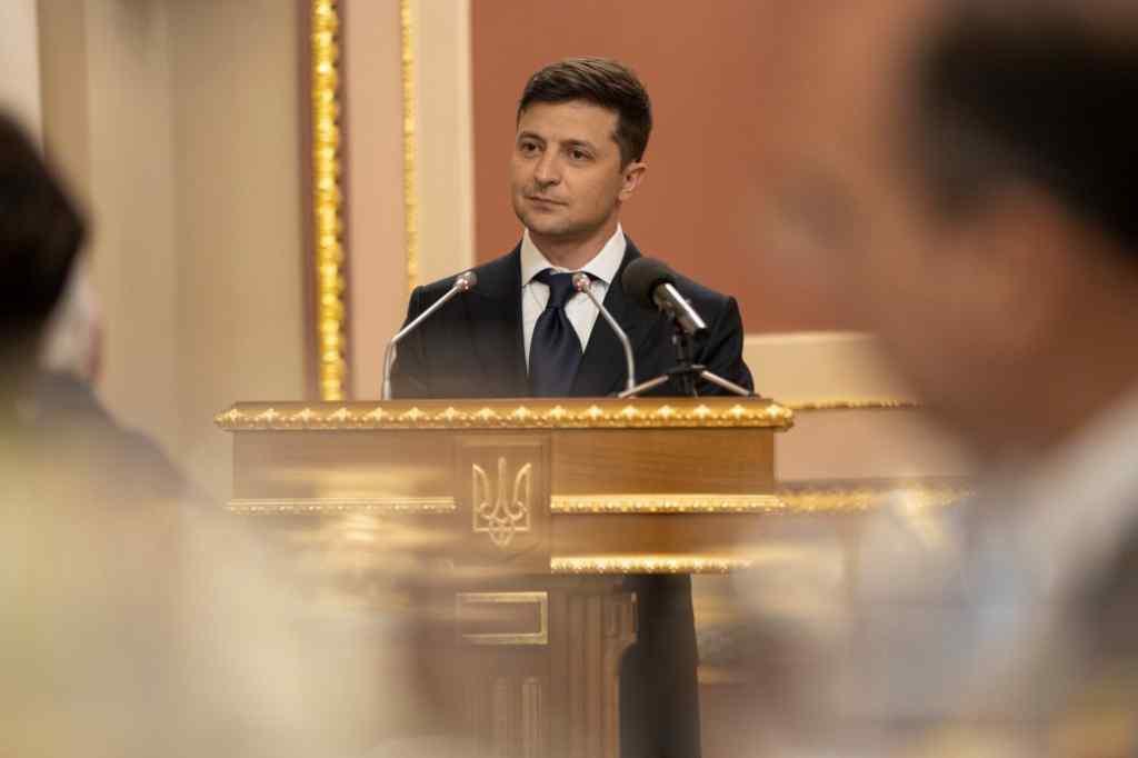 """""""Потрібно міняти і цих"""": Зеленський шокував заявою про розпуск Ради. Розлютили не на жарт"""
