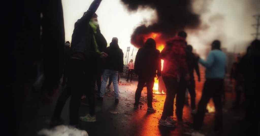 Понад 200 людей загинули: протести майже у всіх містах країни! Влада повністю ізолює населення! Що відбувається?