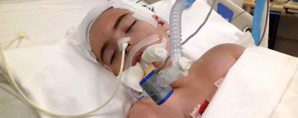 Критичний стан Каті змушує її батьків благати про допомогу