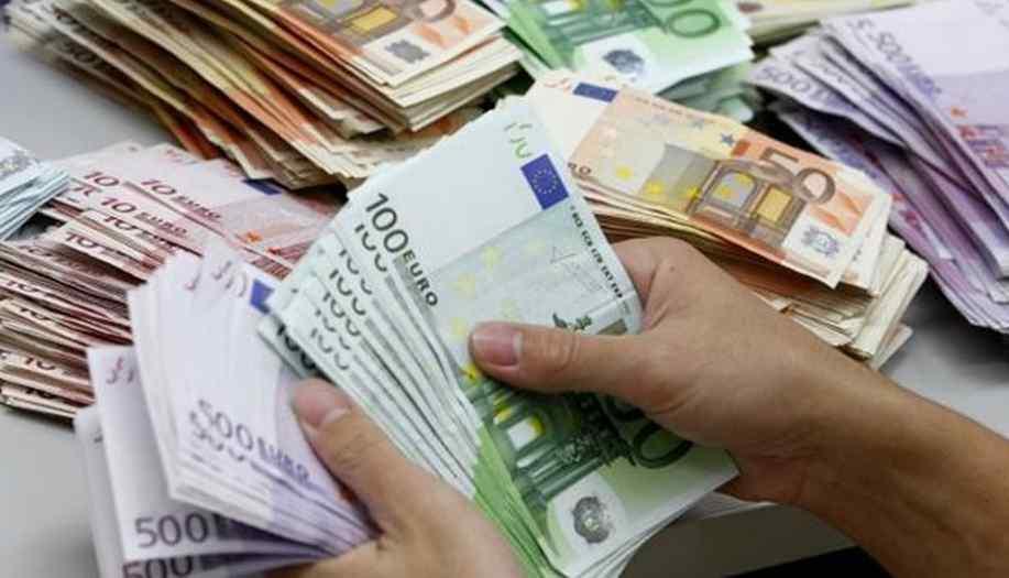 Гривня зміцнює свої позиції : курс валют на 23 листопада