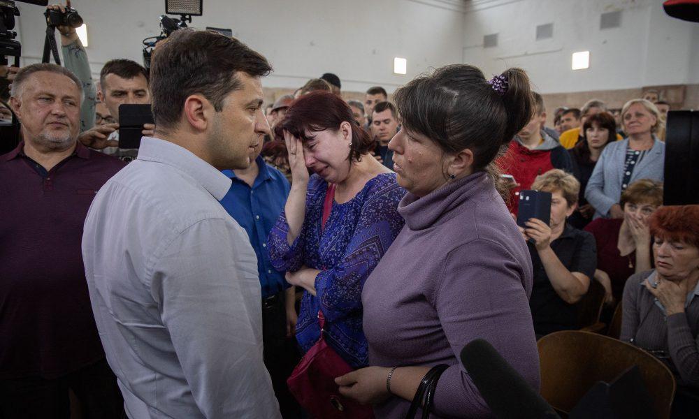 Порошенко нив – Зеленський зробив! Українці у захваті від його вчинку: муки закінчилися