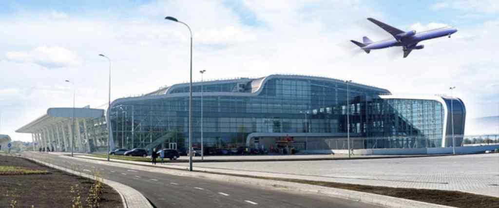 В аеропорту Львова сталася страшна НП з пасажирським літаком . Проводили евакуацію!