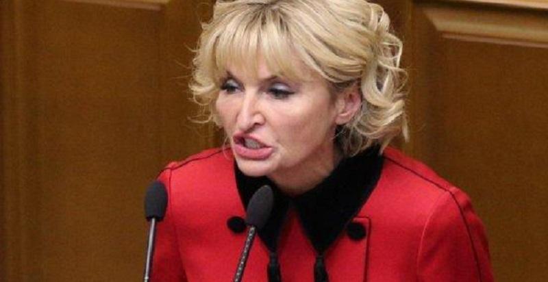 """Більше не буде Бляхи-Мухи"": Рада позбавила Ірину Луценко депутатського мандату. ""Тепер на Лондон?"""