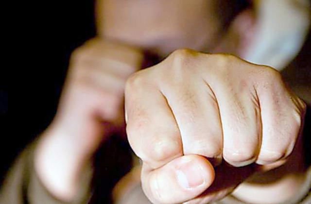 Повістка в руки – кулаком в зуби! У Львові вчинили жорстоку розправу над працівником військкомату. На це страшно дивитись!