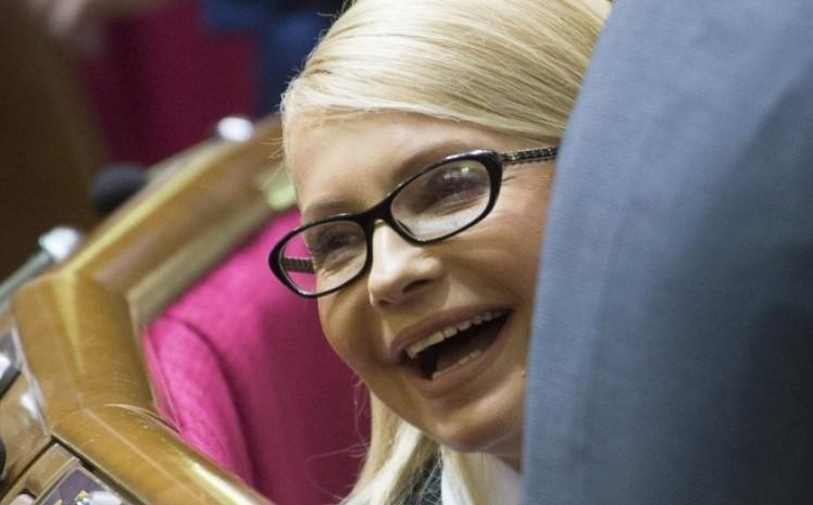 """Стало відомо про таємні зв'язки Тимошенко зі скандальним олігархом. Такої """"підлості"""" від Юлі ніхто не чекав"""