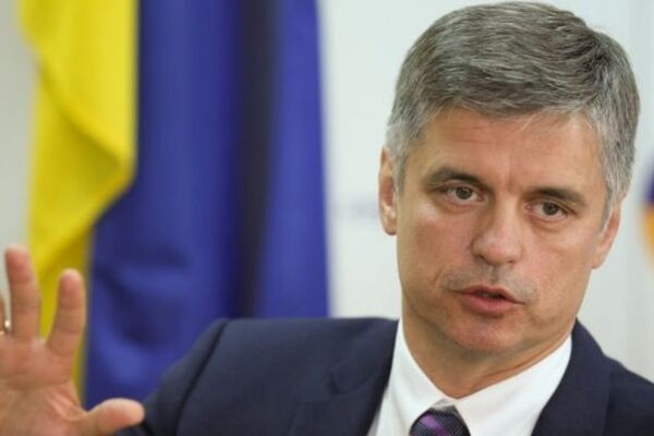 """""""Це цілковитий жах!"""" : Пристайко зробив гучну заяву. Виїхати закордон стане важче. Українці обурюються"""