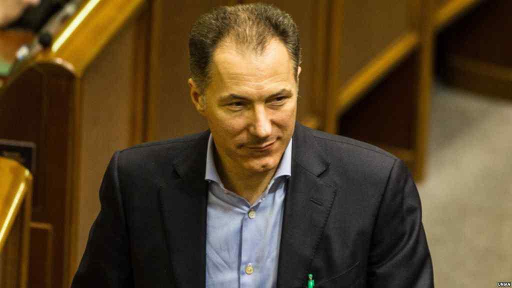 Облили зеленкою і відправили до в'язниці: екс-міністра України Рудьковського засудили на два роки. Що він зробив?