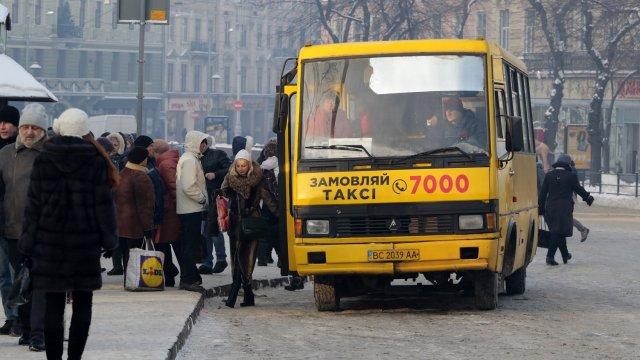 Бісите! Львів'яни знову розпочали війну зі знахабнілими водіями маршруток