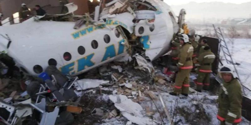 """""""Вийшли і побачили, що літак розділений навпіл"""": Жінка, що вижила в авіакатастрофі поділилася відео"""