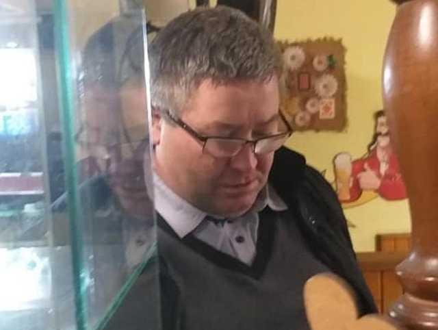"""""""Кинув в мою голову графін з 2-ох метрів"""": на Львівщині п'яний чоловік ледь не вбив офіціантку через шашлик. """"Та ти знаєш хто я?"""""""