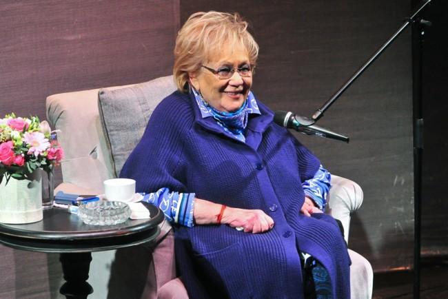 """""""Була як бабуся для для наших дітей"""": Хто з зірок шоу-бізнесу та кіно відреагували на смерть Волчек. Велика втрата!"""
